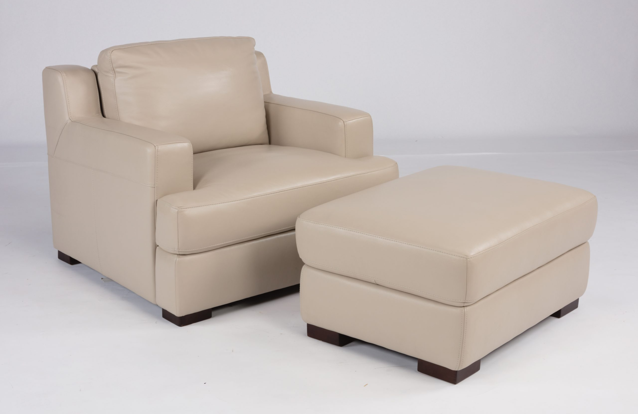 Dowd Accent Chair by Flexsteel 01